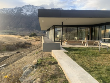 Falconridge House a unique and modern 4-bedroom home situated in a dramatic Queenstown landscape